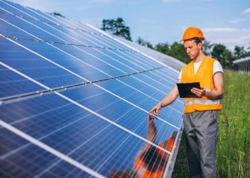 How To Select The Right Solar Controller For Your Business?